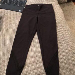 Lulu crop leggings size 6